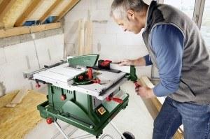 Mit der Bosch PTS 10 Tischkreissäge ist ein präzises Arbeiten möglich.