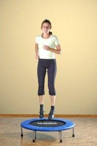 Es gibt tolle Übungen für das Trampolin.