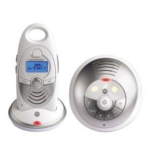 Die Baby- und Elterneinheit des Motorola 188402 - MBP15 Digitales Babyphone