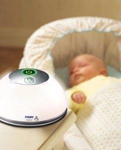 Die Babyeinheit des Tomy Trust Babyphone Digital TD300