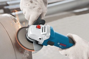 Der Bosch GWS 22-230 JH Professional Winkelschleifer ist auch zum Schleifen geeignet