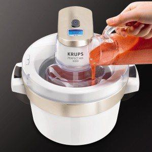 Mischen sie leckere Zutaten in der Krups G VS2 41 Eismaschine Venise