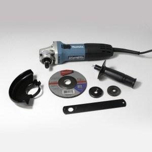 Der Makita GA5030KSP1 Winkelschleifer verfügt über ein umfangreiches Zubehör