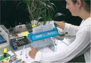 Der Draper 69260 Manueller Aktenvernichter arbeitet energiesparen