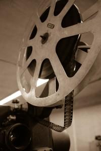 Die ersten Projektoren gab es Anfang des 20. Jahrhunderts.
