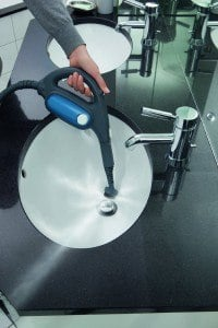 Anwendung Bad Dampfsauger Dirt Devil M319 AquaClean Universal-Dampfreiniger