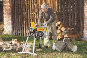 Mit dem AL-KO 112426 KHS 5200 Horizontal-Holzspalter ist rückenschonendes Arbeiten möglich