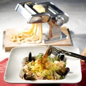 Mit der GEFU 28300 Pastamaschine PASTA PERFETTA DE LUXE zaubern sie leckere Nudeln.