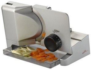 Auch Gemüse gehört zu den bevorzugten Lebensmitteln des Ritter Allesschneider E16 Duo Plus.