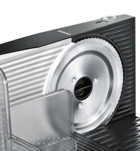 Der Schneider des Siemens MS42006N Allesschneider ist gut geschützt.