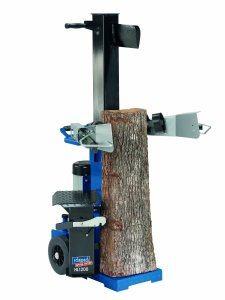 Nicht nur kleine Holzstücke spaltet ein Holzspalter, sondern auch längere Blöcke.