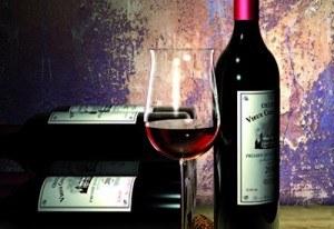 Weinflasche und Weinglas