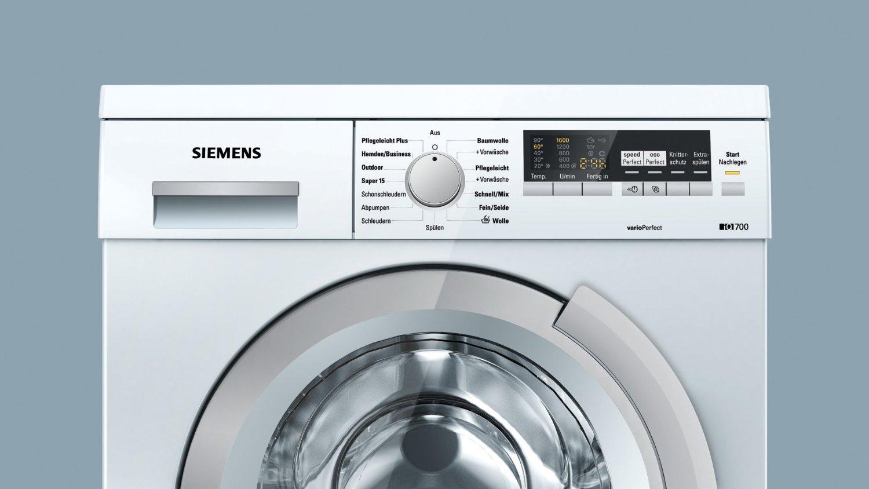 Das Bedienfeld der Siemens iQ700 WM16S443 Waschmaschine in der Frontansicht