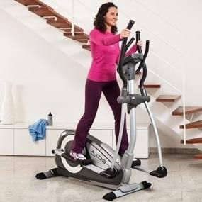 Der Crosstrainer eignet sich optimal für das Training zu Hause