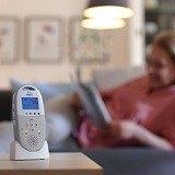 Das Babyphone kann für pflegebedürftige Menschen auch zum Einsatz kommen.