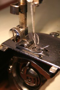 Es gibt verschiedene Ursachen, warum eine Nähmaschine blockiert.