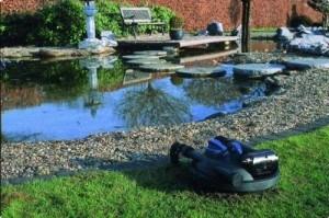 Der Teichfilter lässt sich auch in den Boden vergraben.