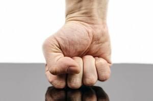 Exzenterschleifer schont das Handgelenk
