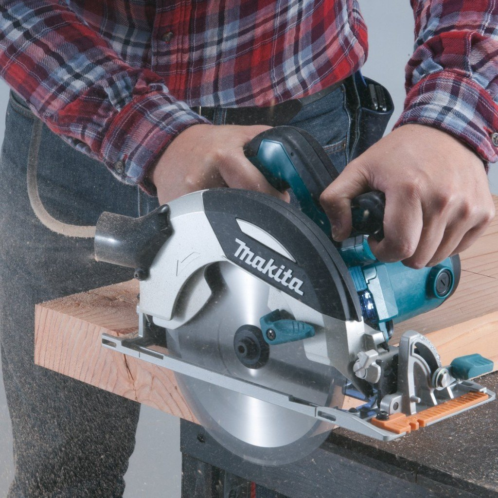 Makita Handkreiss%C3%A4ge In Aktion