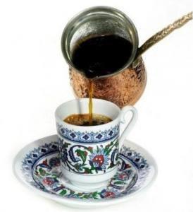 Traditionell zubereiteter Mokka