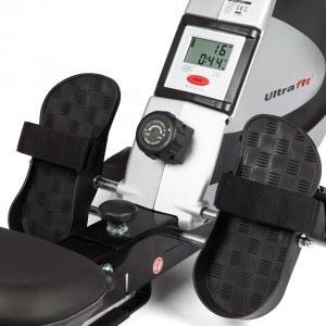 Das Ultrasport Drafter 550 Pro Rudergerät 2 in 1 hat ein übersichtliches Display.