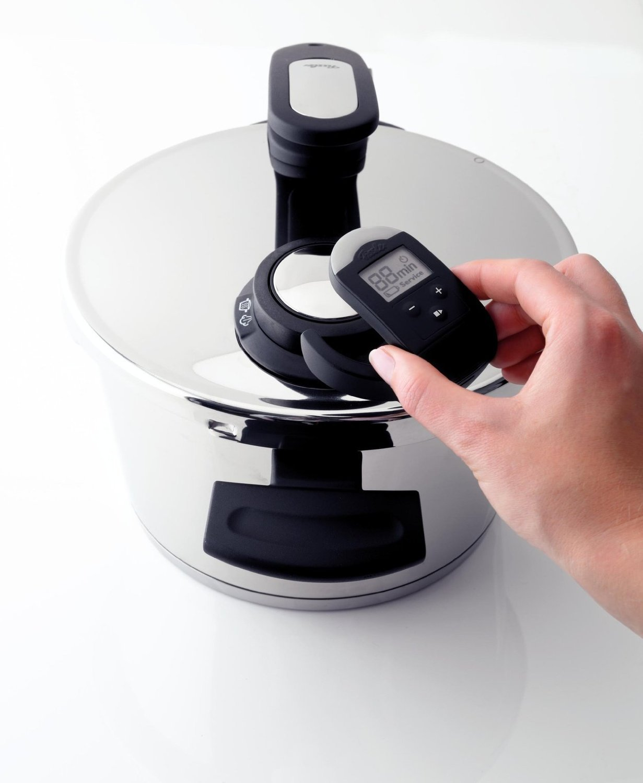 Ferngesteuerter Temperaturmesser bei einem Schnellkochtopf von Fissler im Detail