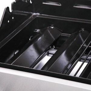 Der BBQ Barbecue Gasgrill 6+1 (6 Hauptbrenner) schwarz-silber hat einen Timer inklusive.