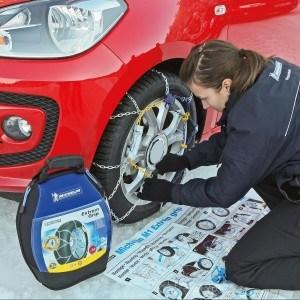 Bediendung der Michelin 89803 Schneekette M1 Extrem Grip 64, ABS und ESP kompatibel