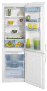 Die Kühl-Gefrier-Kombination CSA 29022 S von Beko fällt durch ihr besonderes Design auf.