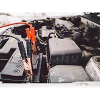 So laden Sie Ihre Autobatterie richtig