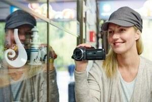 Der Sony HDR-CX405 Camcorder hat qualitativ viel zu bieten.