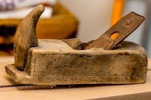Traditionelle handgeführte Hobel alt
