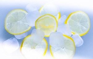 Eis und Zitrone