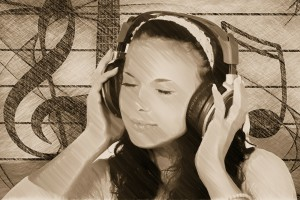Frau mit Headset Musik
