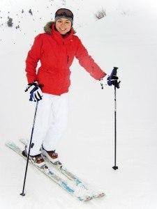 Frau mit Skihandschuhe