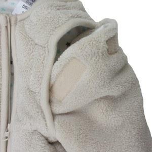 Bei einigen Babyschlafsack Modellen können die Ärmel abgenommen werden.