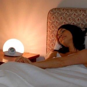 Lumie Bodyclock STARTER 30 Lichtwecker mit Sonnenaufgang und Sonnenuntergang [Energieklasse 485 Lumens]