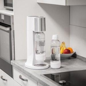 Weißer Wassersprudler von Ultratec in der Küche