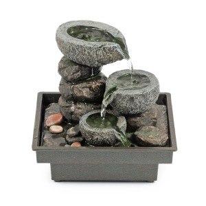 Es gibt verschiedene Hersteller von Zimmerbrunnen.