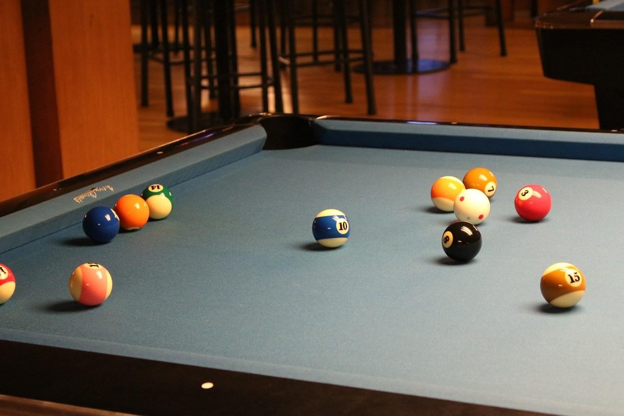 pool-216416_1280