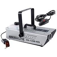 Die Showlite SN-1200 Nebelmaschine ist das ideale Gerät für DJs, im Partykeller, in der Disko oder auf kleinen bis mittleren Bühnen. Der große 2 Liter Tank hat genügend Volumen um einen ganzen Abend großzügige Nebeleffekte zu erzeugen.