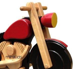 Harley-Nahansicht Holzschaukeltier