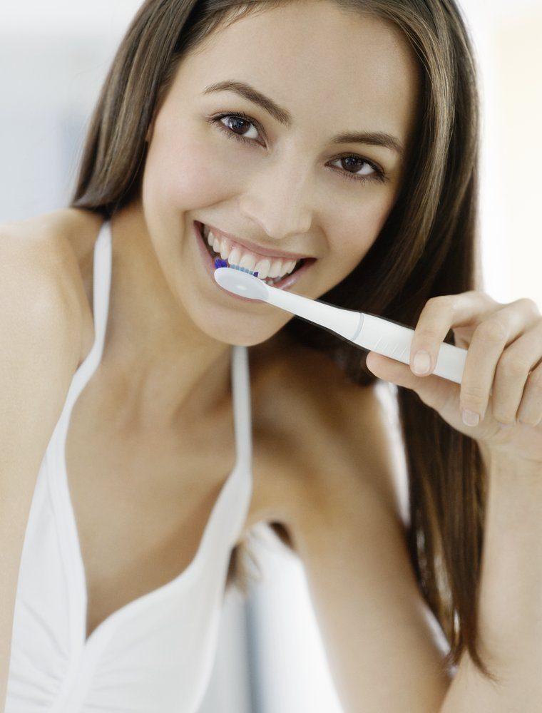 Schallzahnbürste vs. elektrische Zahnbürste