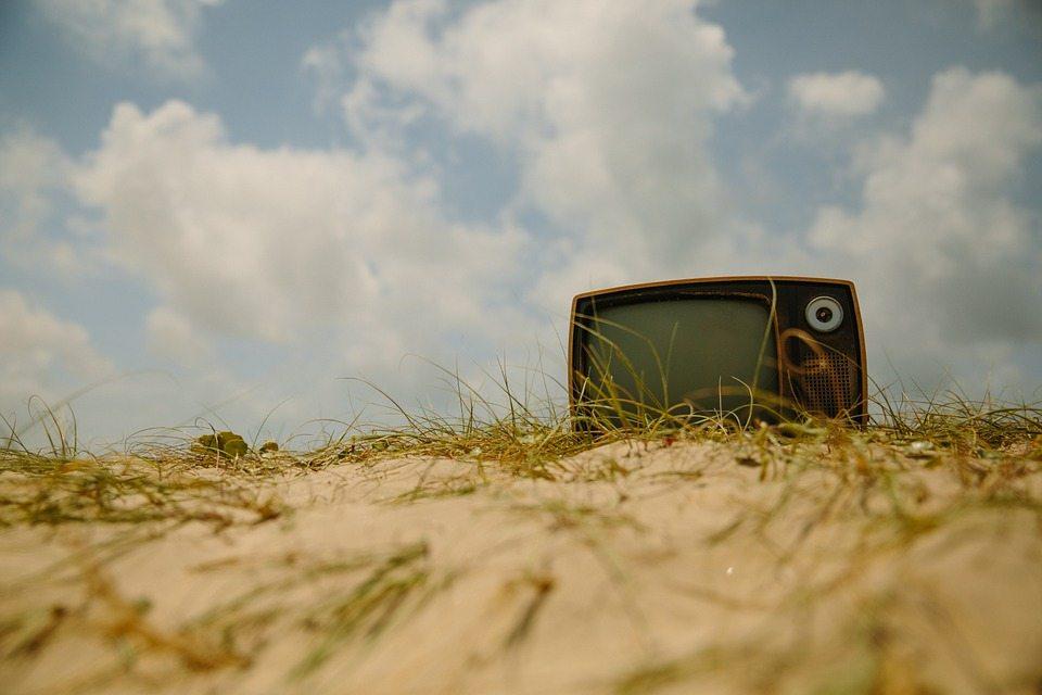 Smart-TV-Strand-Alt