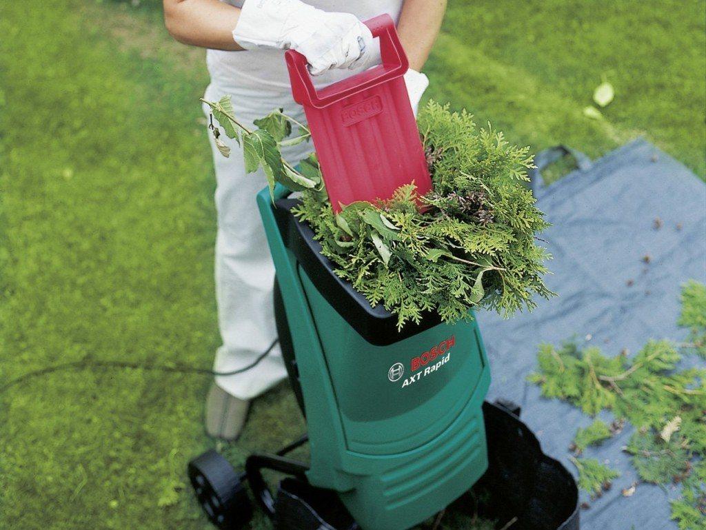 Bosch DIY Gartenhaecksler AXT Rapid 2200 Praktischer Stopfer Karton 2200 W Schneidekapazitaet Max 40 Mm Materialdurchsatz Ca 90 Kg H Betrieb