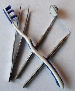 zahnbuerste-dentalbesteck