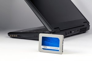 Crucial BX200 240GB SATA 2,5 Zoll interne Solid State Drive - CT240BX200SSD1