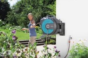 Der Gardena Comfort Wand-Schlauchbox 25 roll-up automatic ist unser Vergleich-Testsieger.