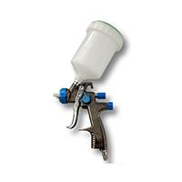 Das LVLP (Low Volume Low Pressure) Verfahren ist eine Weiterentwicklung des HVLP Verfahrens mit deutlich gesenktem Luftverbrauch. Gute LVLP Spritzpistolen haben einen Luftverbrauch von nur 130 bis 160 l/min.