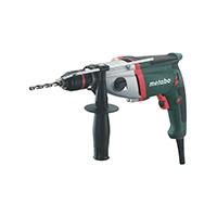 Drehmoment: 28 Nm/12 Nm; Bohrdurchmesser in: - Beton 20 mm, - Stahl 13 mm/8 mm, - Weichholz 40 mm/25 mm; Leerlaufdrehzahl: 0 - 1.000/0 - 3.100 /min; Nennaufnahme: 710 W / Abgabeleistung: 420 W.